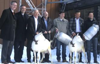 Vertragsunterzeichnung zwischen Südtiroler Milchwirtschaft und Oberrauch-Gruppe