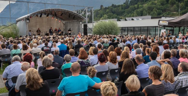 500 Besucher beim Viktor-Gernot-Open-Air im BRG in der Au